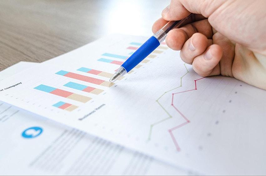 Pesquise dados do mercado para conhecer as perspectivas para o próximo ano e garantir um plano de vendas pronto.